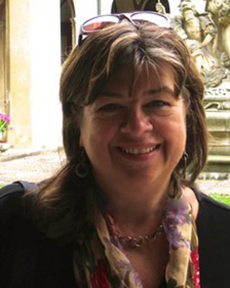Linda Moxley headshot
