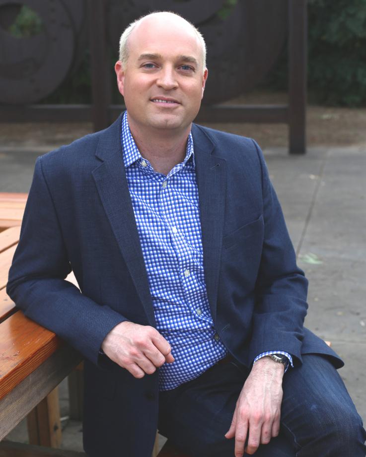 Robert Istad Headshot